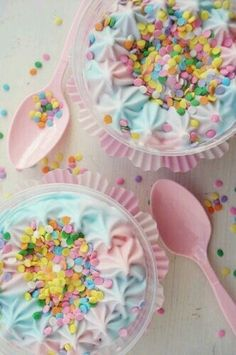 Pastel Ice Cream - totally acceptable as breakfast oui? *pink pastel spoon ready to dive in Vintage shabby chic home decor Pastel unicorn color pink blue light violet green mint beautiful colorful kawaii things objects cute orange yellow Soft Colors, Pastel Colors, Pastel Palette, Soft Pastels, Colours, Sprinkles, Pretty Pastel, Cute Food, Candy Colors