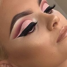 See this Instagram photo by @plouise_makeup_academy • 1,713 likes
