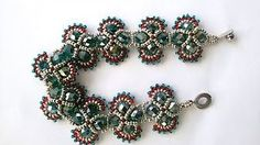 New crochet bracelet easy armband ideas Crochet Bracelet Pattern, Crochet Shoes Pattern, Crochet Beaded Bracelets, Bead Crochet, Bracelet Patterns, Beading Patterns, Crystal Jewelry, Crystal Beads, Beaded Jewelry