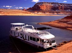 Lake Powell is America's best houseboating destination. Seasoned houseboaters and first-timers agree… Houseboating is the vacation of a lifetime! Luxury Camping, Luxury Travel, Lake Powell Houseboat, Houseboat Rentals, Lake Life, Vacation Trips, Places To Go, Party Barge, Glen Canyon