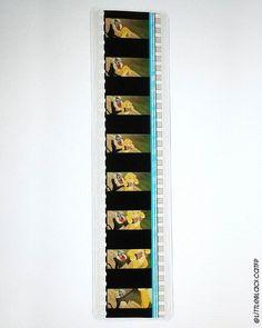 Marque-page du film Le Roi Lion réalisé à partir d'une pellicule de film 35mm.