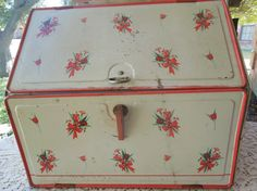 Bread Boxes Vintage Metal And Breads On Pinterest