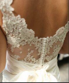 Lace back dress2