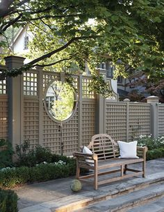 Backyard Landscaping Ideas - Find top outdoor design and landscaping ideas from experts to elevate your backyard, garden, patio or porch this spring and summer. Backyard Garden Design, Backyard Fences, Garden Fencing, Backyard Landscaping, Large Backyard, Garden Trellis Panels, Trellis Fence, Landscaping Melbourne, Patio Fence