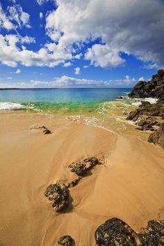 Secret Beach and Ocean at Makena State Park, #Maui Hawaii