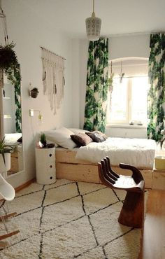 DIY Cozy Boho Bedroom Decor Ideas For Small Apartment for teen girls. Pick one cute bedroom style for teen girls, more DIY Dream Castle bedroom ideas will be shown in the gallery and get inspired! #smallbedroomdesigns