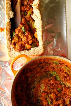 Bunny Chow (South African Bean Curry in a Loaf) Veg Curry, Beans Curry, South African Recipes, Indian Food Recipes, Tasty, Yummy Food, Yummy Recipes, International Recipes, Cooking Recipes