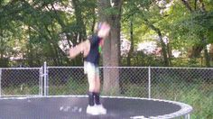gif # gymnastics Fails 19 of the Best/Worst Trampoline GIFs Super Funny Pictures, Epic Fail Pictures, Funny Photos, Funny Gymnastics Fails, Funny Fails, Funny Memes, Gifs Hilarious, Funniest Gifs, Funny Cartoons