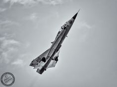 Saab Draken (Photo: Jorgen Nilsson) Saab 35 Draken, Swedish Air Force, Swedish Army, Military Aircraft, Airplanes, My Images, Fighter Jets, Touch, History