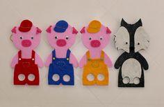 """Marionette in feltro rigido e pannolenci della serie """"I Tre Porcellini"""" per divertirti con i tuoi bimbi! Creazioni fatte a mano. Kinderspielzeug, Lernspiele, waldorf spielzeug, strickpuppe, schmusetier, geringelt, Steiner Spielzeug, kasperltheater, kasperpuppen, puppentheater, sterntaler kuscheltiere fingerpüppchen, Handspielpuppen, handpuppen,  die drei kleinen Schweinche"""