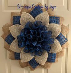 Burlap Flower Wreaths, Sunflower Wreaths, Deco Mesh Wreaths, Ribbon Wreaths, Burlap Crafts, Wreath Crafts, Diy Wreath, Wreath Making, Wreath Ideas