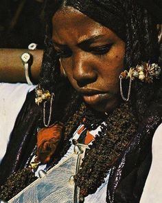 """awakonate: """" #Tuareg beauty adorned in silver, Niger, 1974   © of National Geographic #vscocam #cultureartsociety """""""