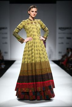My absolute favorite was Shalini James for her very wearable yet pretty… India Fashion Week, Lakme Fashion Week, Fashion Weeks, Ladies Fashion, Indian Designer Outfits, Designer Dresses, Indian Designers, Fashion Designers, Ethnic Fashion