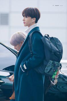 That Injun in the back 💚😍 Mark Lee, Nct 127, Park Ji-sung, Divas, Johnny Seo, Cute Boy Things, Park Jisung Nct, Matou, My Little Baby
