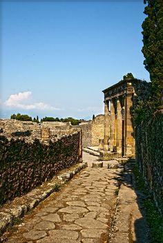 """breathtakingdestinations: """" Pompeii - Italy (von fabiogis50) """""""