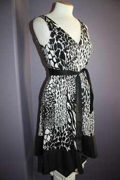 d7c7559103e4 Nine West Black White  amp  Gray Animal Print Tie Sash Waist Stretch Cotton  Dress 6