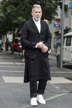 bleumode-noir:  nick wooster / tokyo  http://bleumode.com