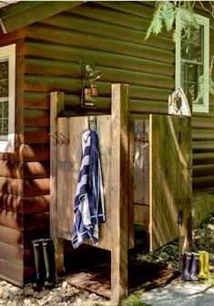 Out door shower - Love this idea for the summer months! Sooooo cute :D