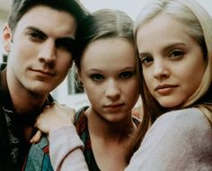 Wes Bentley (Ricky Fitts), Thora Birch (Jane Burnham) + Mena Suvari (Angela Hayes) - American Beauty (1999)