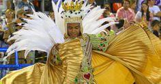 """A escola de samba levou à avenida o enredo """"A Grande Rio é do Baralho!"""" na primeira noite do Grupo Especial do Carnaval carioca-2015"""