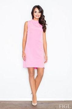 Różowa sukienka ze stójką