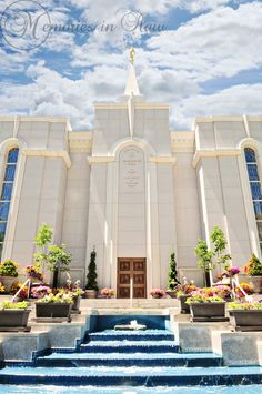 Bountiful UT LDS Temple: absolutely gorgeous. I love the vibrant colors.