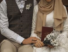 Abstract photography married Muslim couples, Muslim c… Couples Musulmans, Cute Muslim Couples, Wedding Couple Photos, Wedding Couples, Moslem, Islam Marriage, Wedding Couple Poses Photography, Couple Posing, Couple Selfie