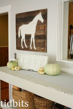 tidbits: Horse Silhouette Art - Tutorial This would be great for Cady - @Wendy Felts Felts Felts