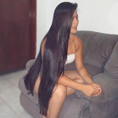 The next Rapunzel for the day is Our site is dedicated to the celebration of beautiful long hair. If you have long hair… Easy Updos For Long Hair, Braids For Long Hair, Really Long Hair, Super Long Hair, Trending Hairstyles, Down Hairstyles, Hair To One Side, Long Brunette, Glossy Hair