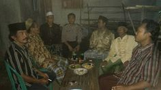 Sambangi Warga Melek Malam, Bripka Khalim Pastikan Kondisi Desa Grogol Aman | tribunus-antara.com