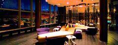 Eclipse lounge club, W hotel, Barcelona. No es una terraza abierta pero tienen unas vistas increibles de la ciudad...