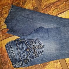 Miss me's jeans Perfect condition. Wore twice maybe. Miss Me Jeans Boot Cut