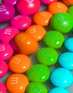 A POP OF COLOR! ▶ M&M's