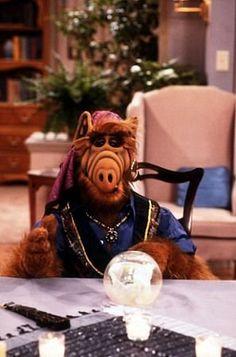 ALF – Ulubiony bohater pokolenia lat i 80 Tv Shows, Old Shows, Alf Tv Series, Aliens, Alien Life Forms, Cute Fantasy Creatures, Old Tv, Cultura Pop, Classic Tv
