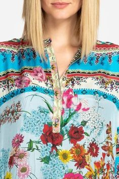 We love the vibrant turquoise and stunning shades of pink in this Johnny Was Lotus Tunic. 3 Shop, Johnny Was, Spring Summer 2018, Boho Outfits, Vintage Inspired, Boho Chic, Floral Tops, Tunic Tops, Turquoise