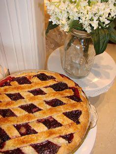 THERE'S NO PLACE LIKE HOME….. | Sugar Pie Farmhouse blackberry pie