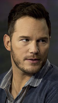 Actor Chris Pratt, World Theatre, Avengers Cast, Star Lord, Hollywood Star, Elle Fanning, Interesting Faces, Attractive Men, Hemsworth