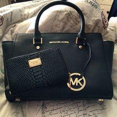 My addiction: purse wallet