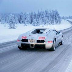 Bugatti Veyron. Don't know what I like more the car or the snow