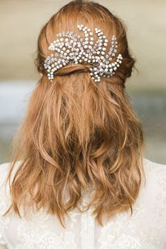Hermione Harbutt Willow Hairpins | Amy Fanton Photography | #bridal #hairpiece #wedding #accessories