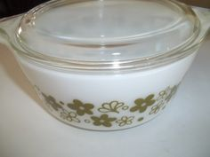 Crazy Daisy aka Spring BlossomPyrex#472-B, 750ML 1 1/2Pint, Vintage, Casserole Dish, Baking Dish, Bowl with lid by PyrexKitchen on Etsy