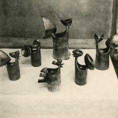 Coqs, ensemble pièces modelées, 1962.<br />Atelier des Issarts…