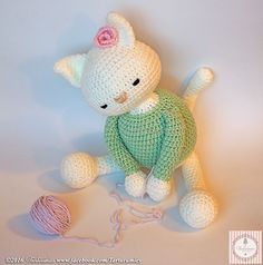 2000 Free Amigurumi Patterns: Beautiful cat pattern