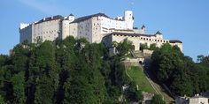 Хоэнзальцбург — старинная крепость на вершине холма Фестунгсберг в городе Зальцбург,