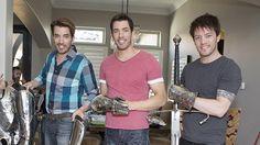 See @MrSilverScott, @MrDrewScott and @MrJDScott behind the scenes of #BrothersAtHome