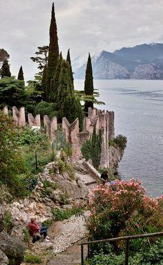 Malcesine, Lake Garda, Italy (by shopman on Flickr) Beautiful World, Beautiful Places, Amazing Places, Glamping, Lake Garda Wedding, Lake Garda Italy, Best Of Italy, Italian Lakes, Italian Villa