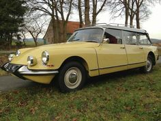 Get Yourself an Oddball Station Wagon Citroen Ds, Old Vintage Cars, Old Cars, Antique Cars, Wagon Floats, Automobile, Shooting Brake, Station Wagon, Transportation Design