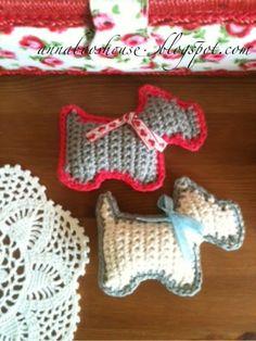Crochet Scotie Brooch - Tutorial ❥ 4U // hf