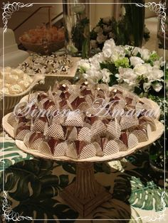 mesas decoradas Dessert Table, Wedding Cakes, Candy, Table Decorations, Home Decor, Mesas, Wedding Gown Cakes, Decoration Home, Bar Cart