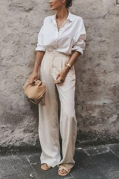 Classic Outfits, Casual Outfits, Cute Outfits, Fashion Outfits, Work Fashion, Fashion Looks, Linen Pants Outfit, Smart Casual Wardrobe, Loose Pants
